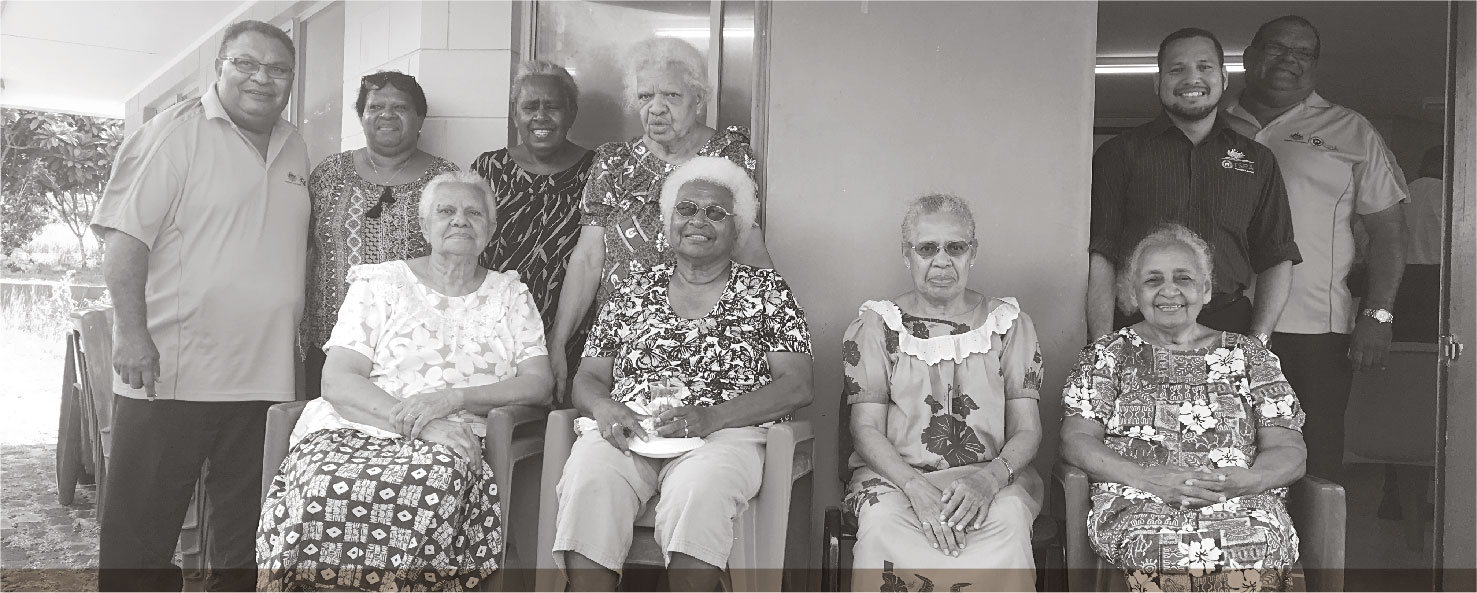 a photo of TSRA CHAIRPERSON AND TSRA CHIEF EXECUTIVE OFFICER CATCH UP WITH ELDERS DURING THEIR VISIT TO ST PAULS COMMUNITY.