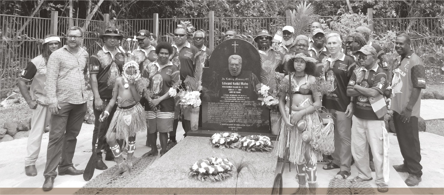 a photograph of SOME OF THE DELEGATES WHO ATTENDED THE MABO DAY SYMPOSIUM ON MER PAYING THEIR RESPECTS TO THE LATE MR EDDIE KOIKI MABO ON 3 JUNE 2017.